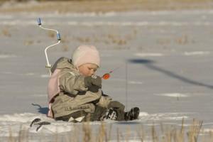 Зимняя рыбалка: как нужно одеться и что иметь в рыбацком ящике