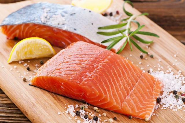 krasnaya-ryba-v-folge-v-duxovke-recept